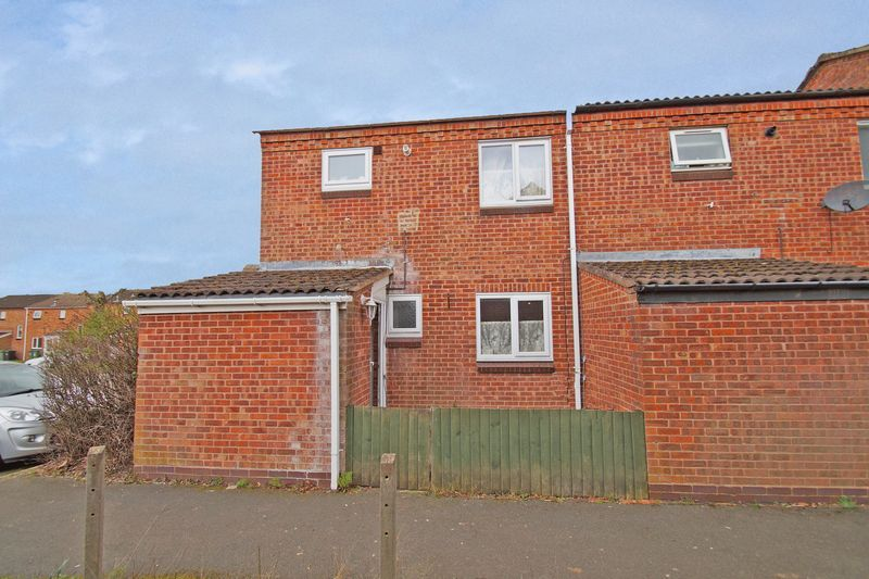 3 bed house for sale in Exhall Close 1