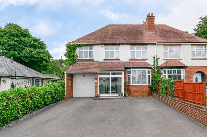 4 bed house for sale in Alvechurch Highway 1