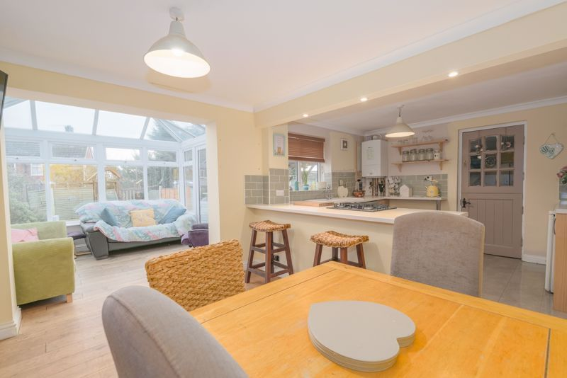 3 bed house for sale in Foxwalks Avenue 2