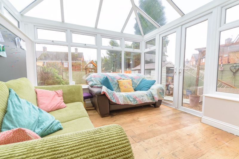 3 bed house for sale in Foxwalks Avenue 11