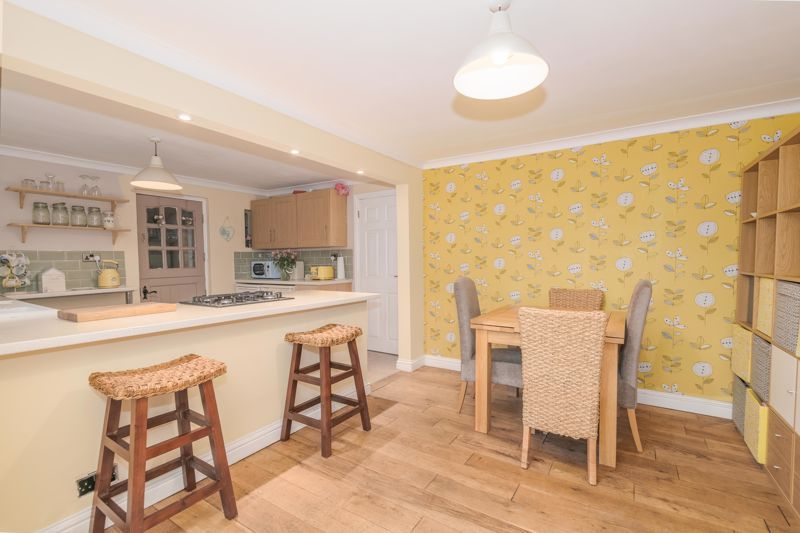 3 bed house for sale in Foxwalks Avenue 3