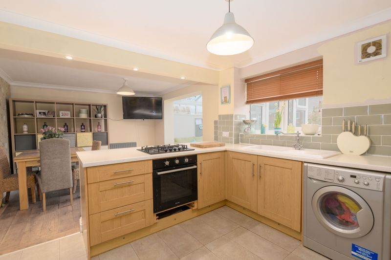 3 bed house for sale in Foxwalks Avenue 4
