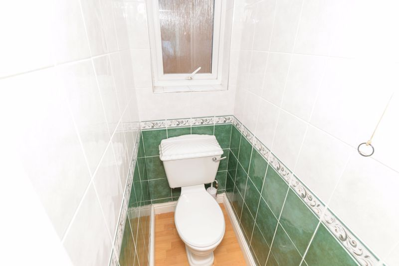 3 bed house for sale in Foxwalks Avenue 7