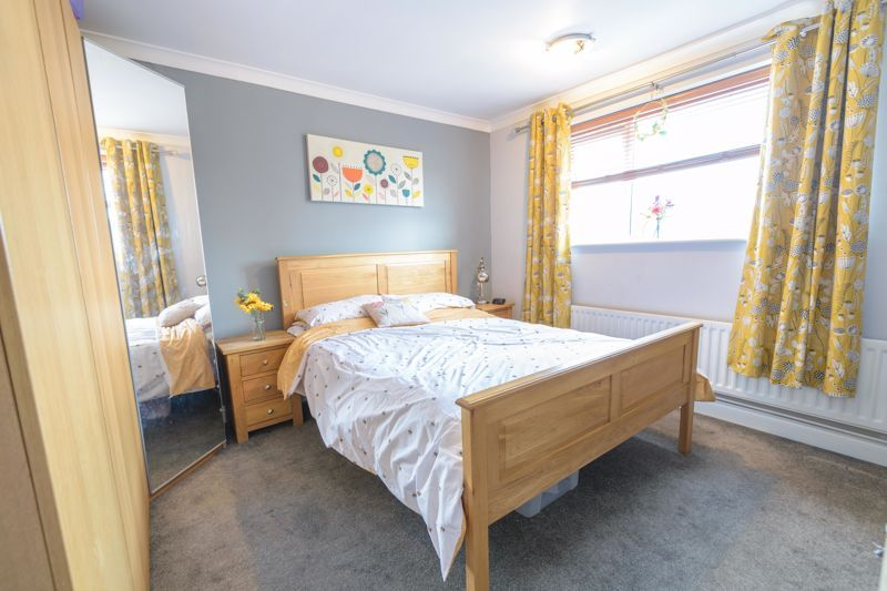 3 bed house for sale in Foxwalks Avenue 8