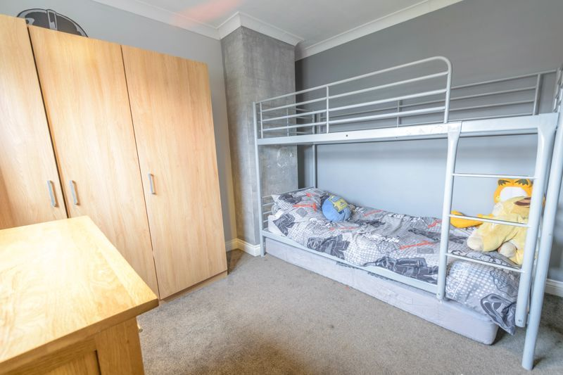 3 bed house for sale in Foxwalks Avenue 9
