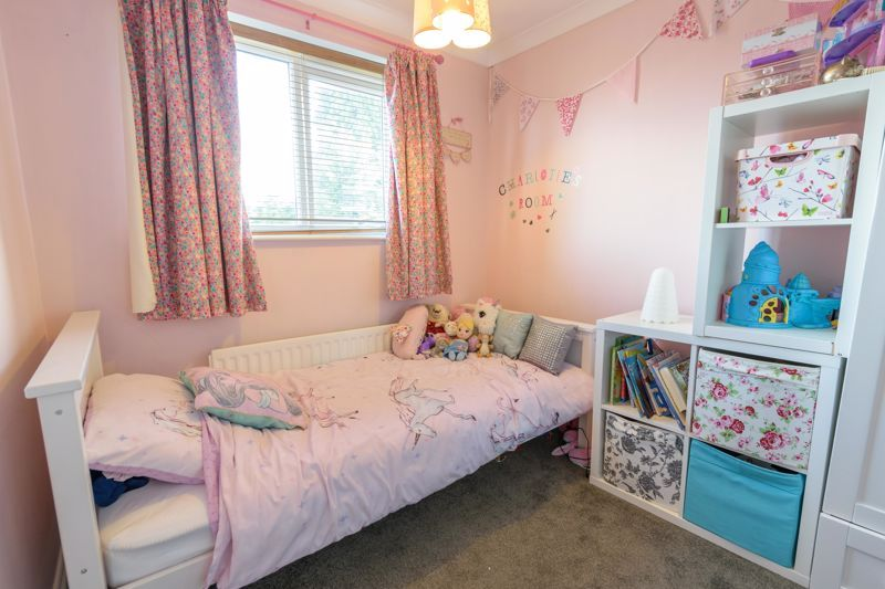 3 bed house for sale in Foxwalks Avenue 10