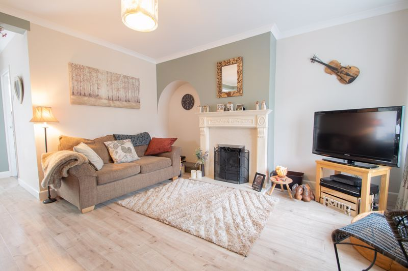 3 bed house for sale in Hill Top Road 2