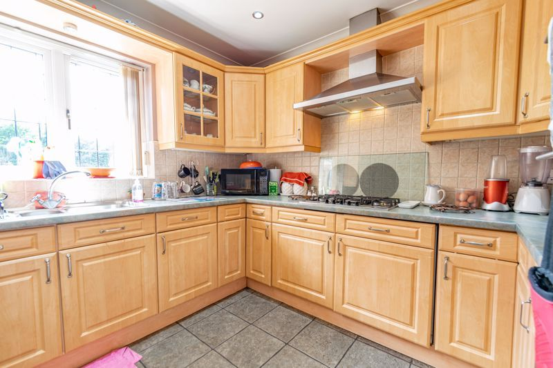 5 bed bungalow for sale in Morton Lane  - Property Image 4