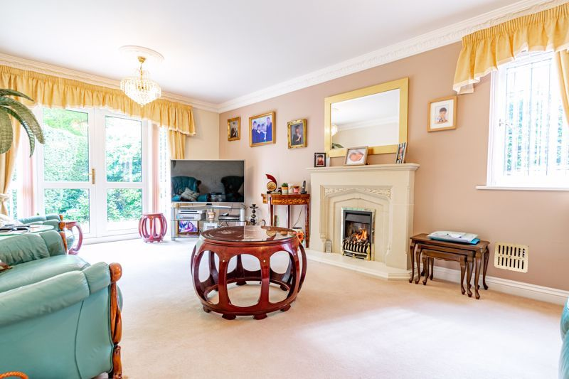 5 bed bungalow for sale in Morton Lane 5