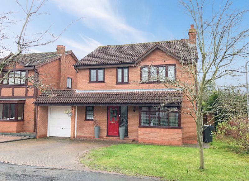 4 bed house for sale in Riverside Close 1
