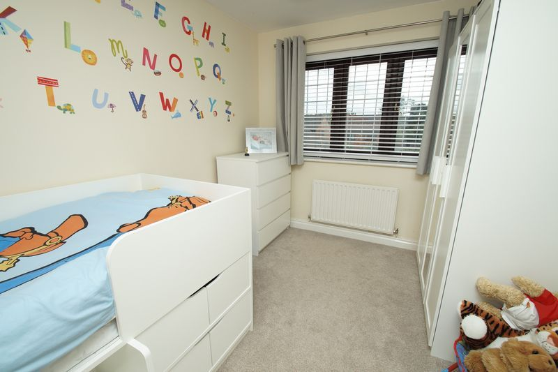 4 bed house for sale in Riverside Close  - Property Image 11