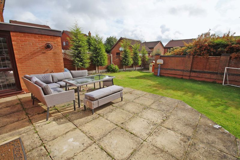 4 bed house for sale in Riverside Close 14