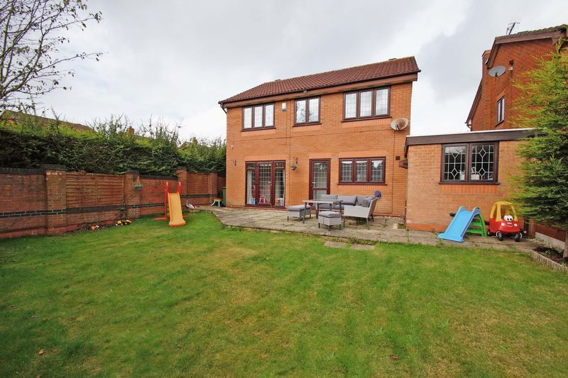 4 bed house for sale in Riverside Close  - Property Image 15