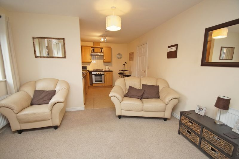 2 bed flat for sale in School Drive 3