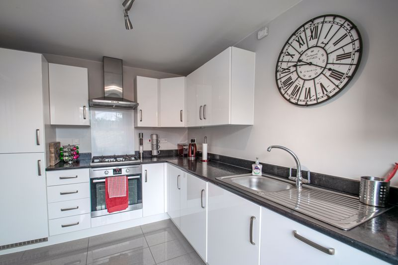 3 bed house for sale in Kemble Street 2