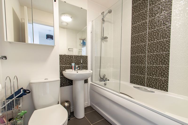 3 bed house for sale in Kemble Street 13