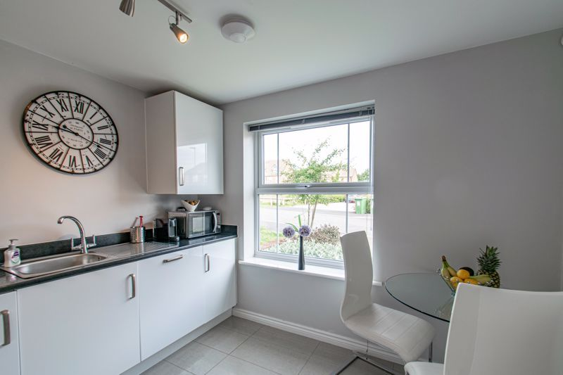 3 bed house for sale in Kemble Street 4
