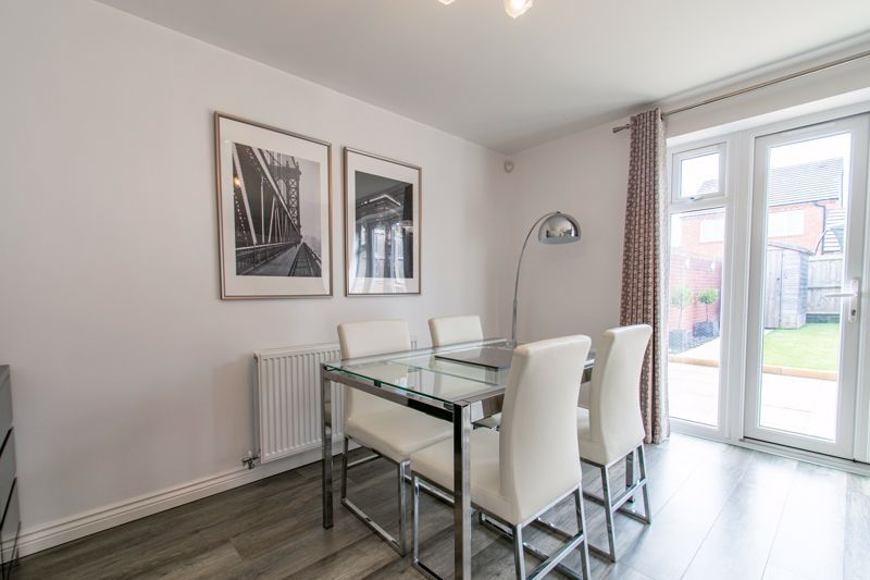 3 bed house for sale in Kemble Street  - Property Image 5