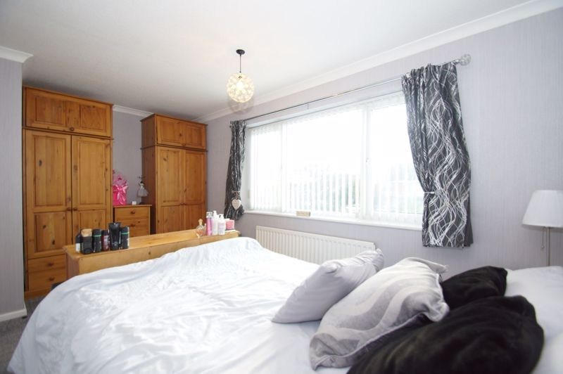 3 bed house for sale in Badger Close 12