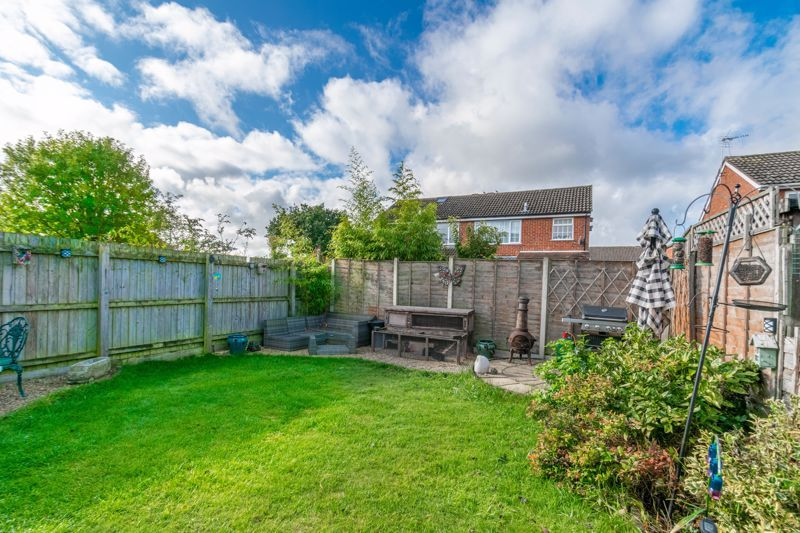 3 bed house for sale in Badger Close 16