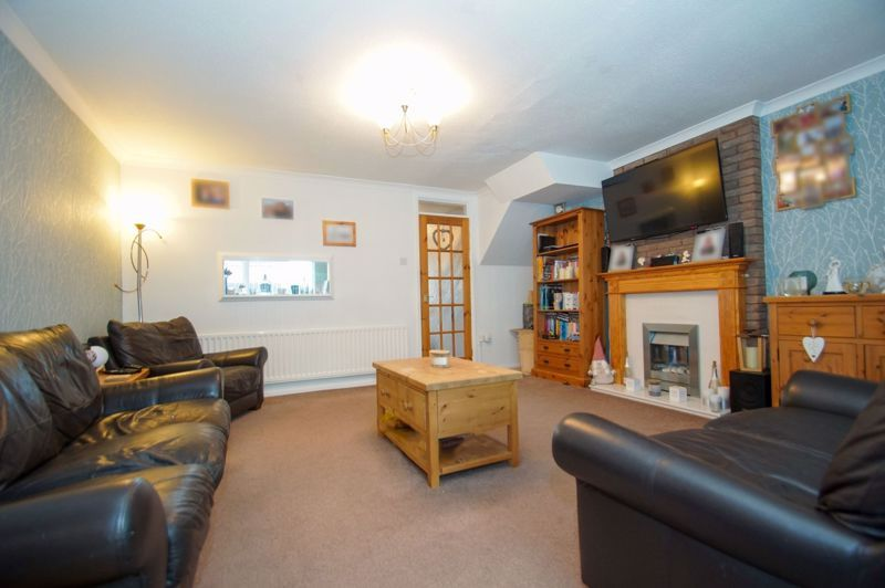 3 bed house for sale in Badger Close 4