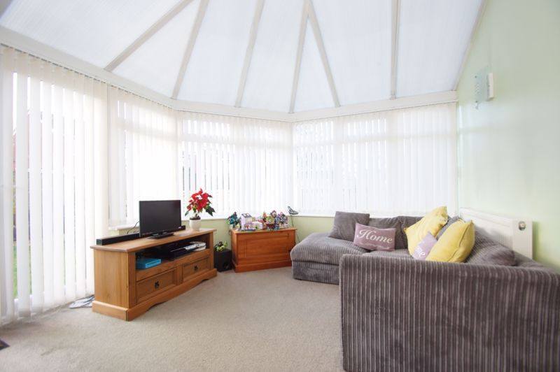 3 bed house for sale in Badger Close  - Property Image 9