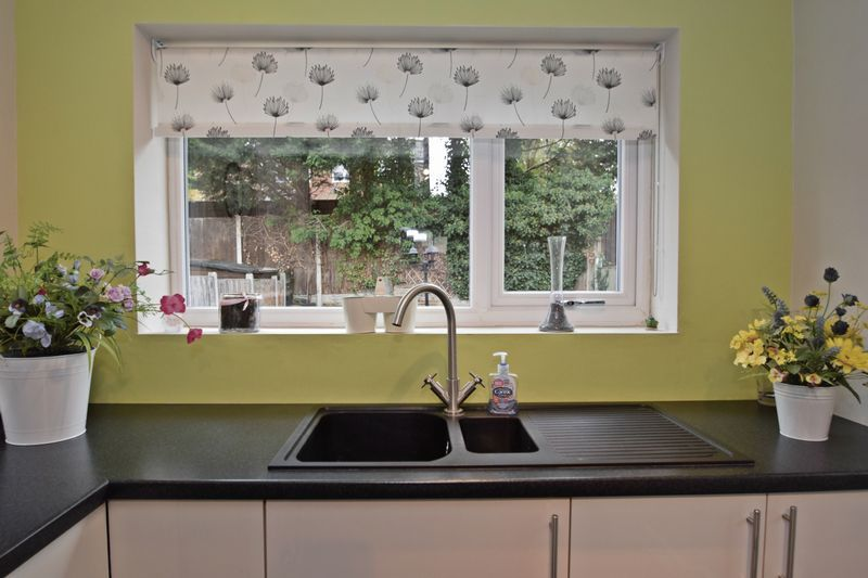 3 bed house for sale in Maypole Drive 3