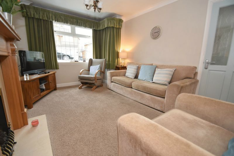 3 bed house for sale in Maypole Drive 5