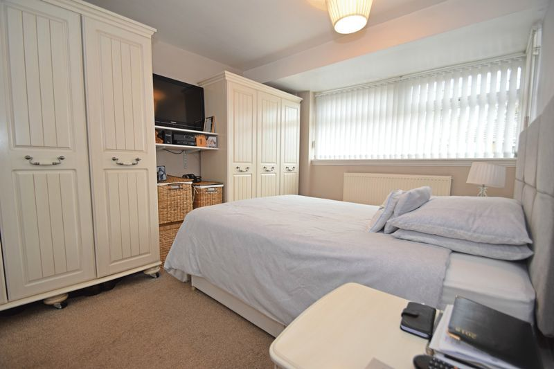 3 bed house for sale in Maypole Drive 7