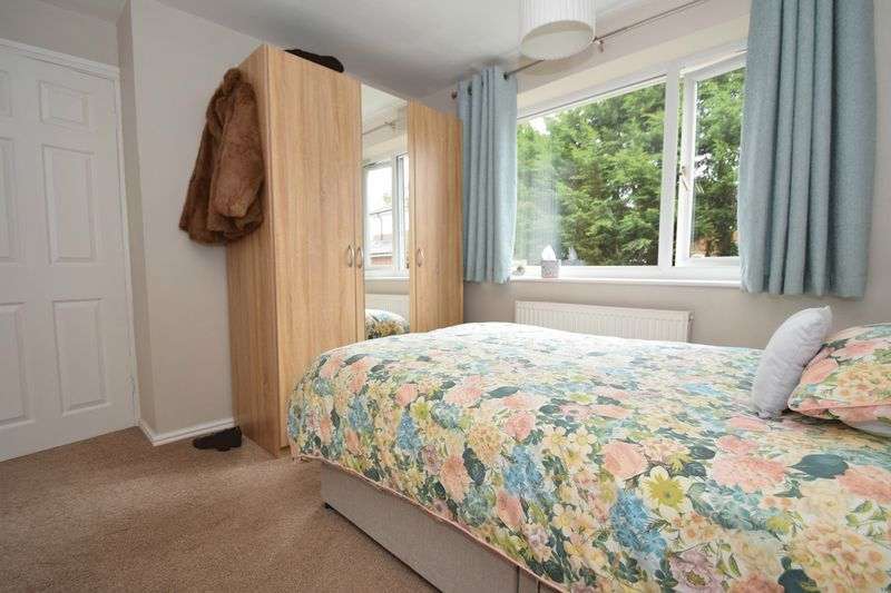3 bed house for sale in Maypole Drive 8