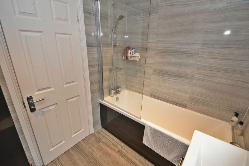 3 bed house for sale in Maypole Drive 10
