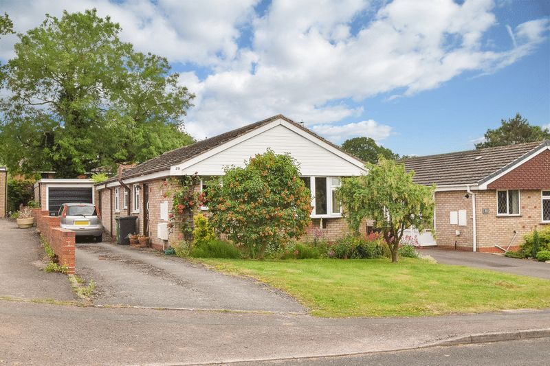 3 bed bungalow for sale in Austcliff Close  - Property Image 1