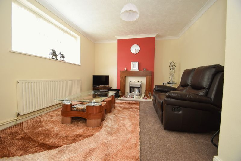 2 bed flat for sale in Dobbins Oak Road  - Property Image 2