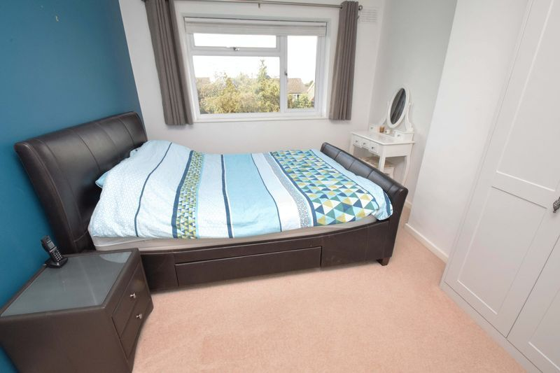 3 bed house for sale in Green Slade Crescent 7