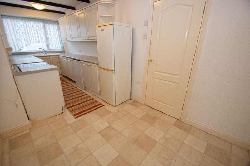 2 bed bungalow for sale in Worcester Road  - Property Image 4