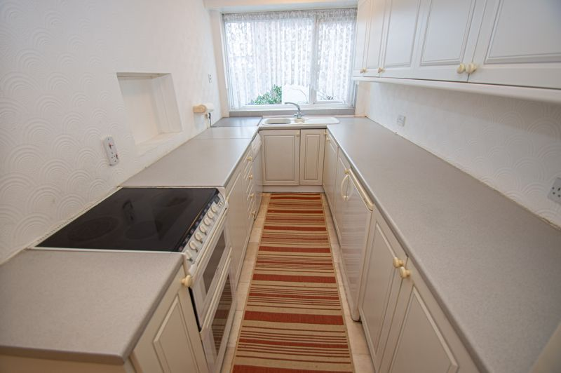 2 bed bungalow for sale in Worcester Road 5