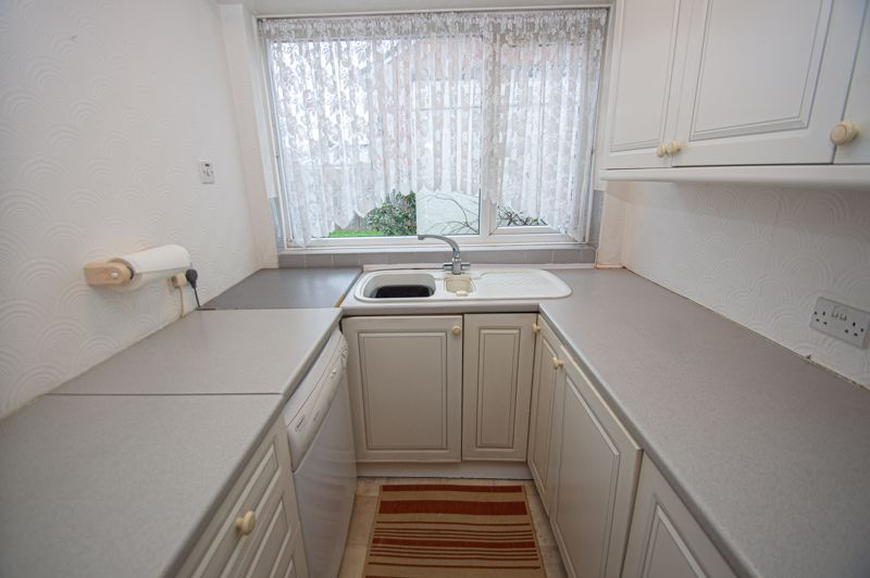 2 bed bungalow for sale in Worcester Road 6