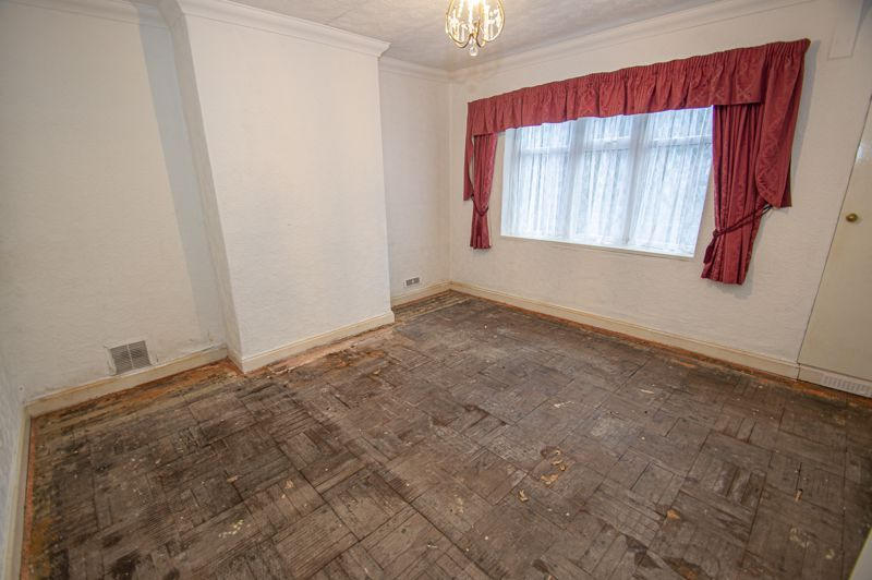 2 bed bungalow for sale in Worcester Road 8