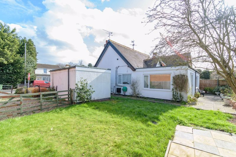 2 bed bungalow for sale in Worcester Road  - Property Image 10