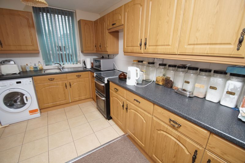 3 bed house for sale in Kineton Close 3