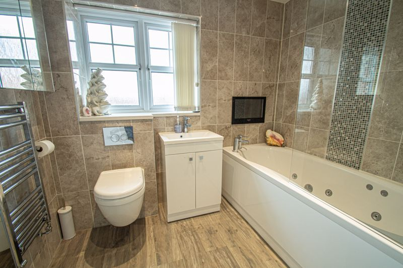 4 bed house for sale in Wheelers Lane  - Property Image 12