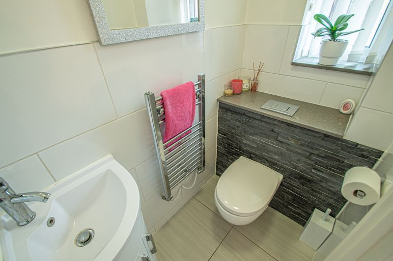 4 bed house for sale in Wheelers Lane 19
