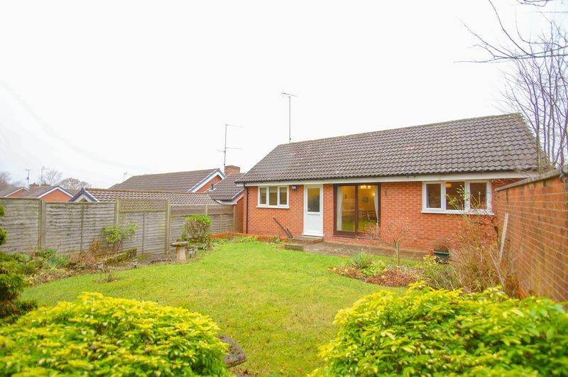 3 bed bungalow for sale in Norbury Close 3