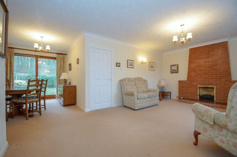 3 bed bungalow for sale in Norbury Close  - Property Image 5
