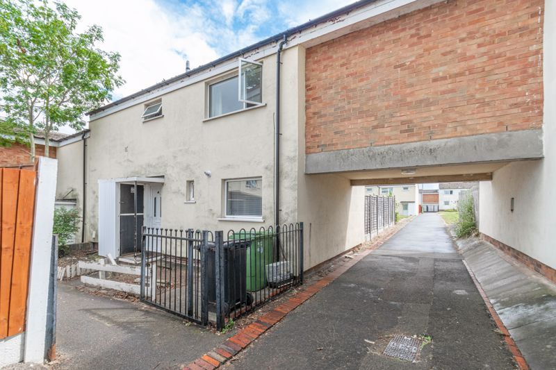 4 bed house for sale in Ombersley Close 14