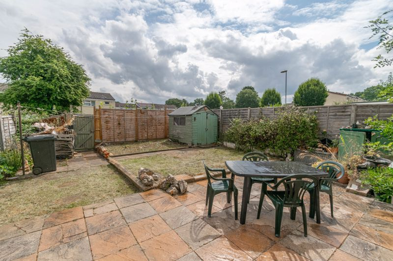 4 bed house for sale in Ombersley Close 15