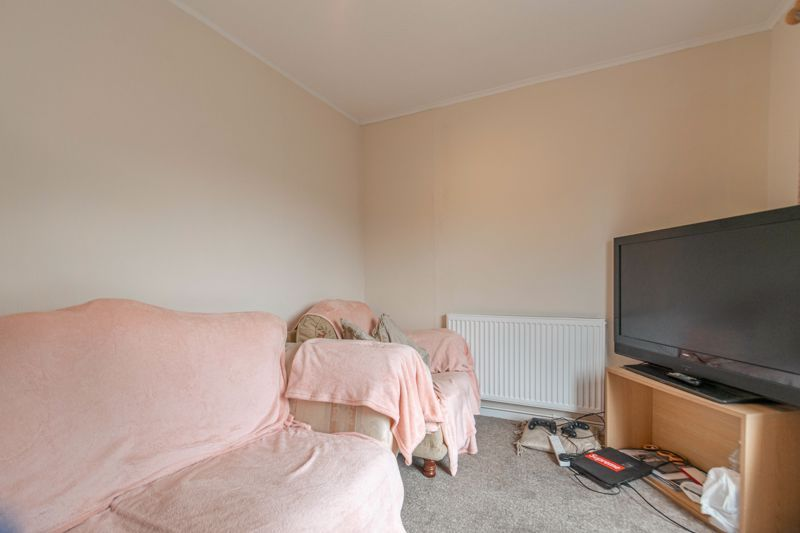 4 bed house for sale in Ombersley Close  - Property Image 5