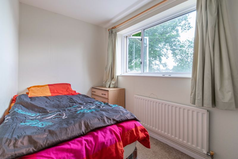 4 bed house for sale in Ombersley Close 10