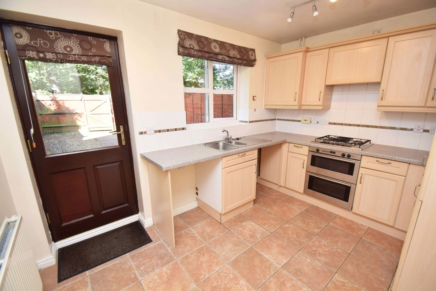 2 bed terraced for sale in Mallow Drive, Woodland Grange 6