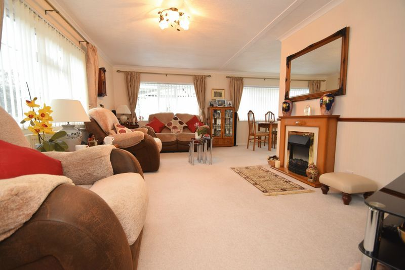 2 bed bungalow for sale in Hampton Loade Park Homes  - Property Image 3